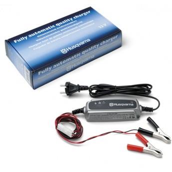 Nabíječka baterií XS800